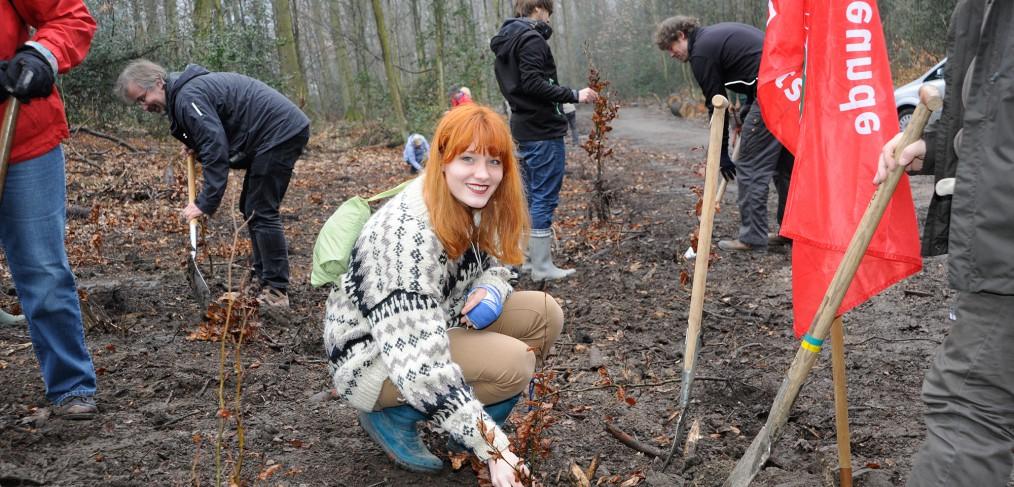Bäume für Bochum - Pflanzaktion in der Bömmerdelle, Foto: Gerhard Gleim