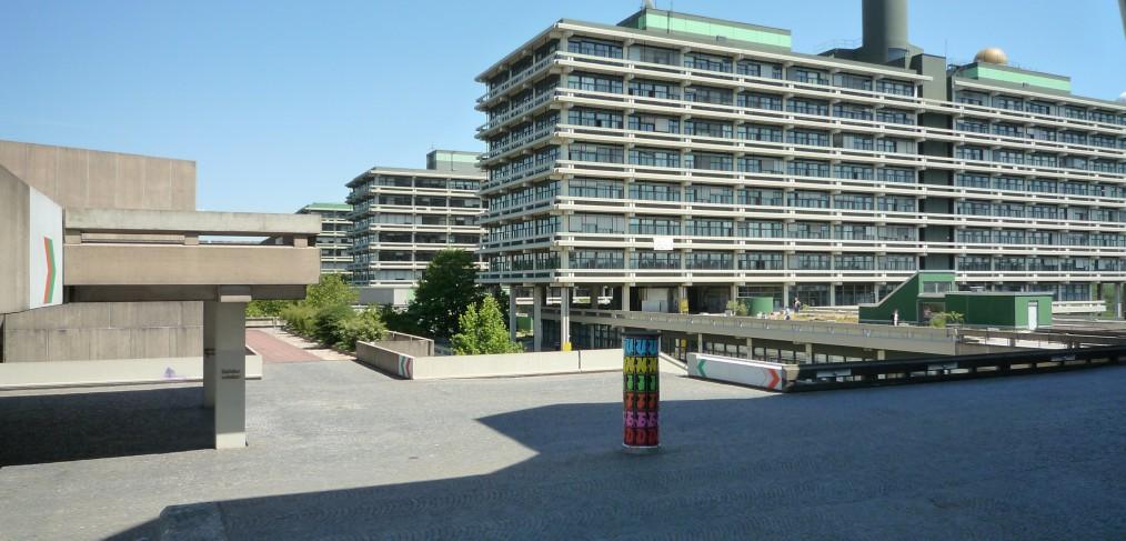Ruhr-Universität Bochum (RUB), N-Gebäude (Naturwissenschaften), Foto: M, Bildquelle: Wikimedia Commons, Lizenz: gemeinfrei