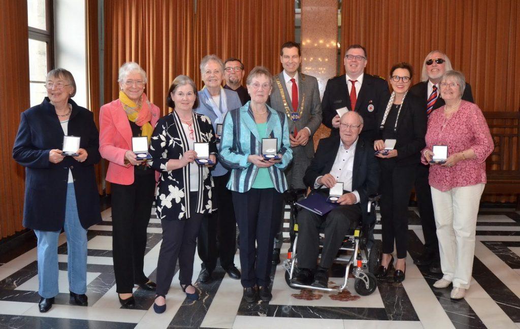 Verleihung der Ehrenplaketten durch Oberbürgermeister Thomas Eiskirch am 23.05.2019. Foto: André Grabowski / Stadt Bochum, Referat für politische Gremien, Bürgerbeteiligung und Kommunikation